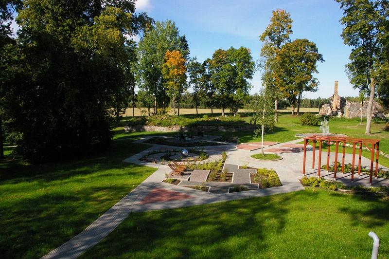 Eakate festivalil saab külastada Eesti esimest taimeteraapilist aeda