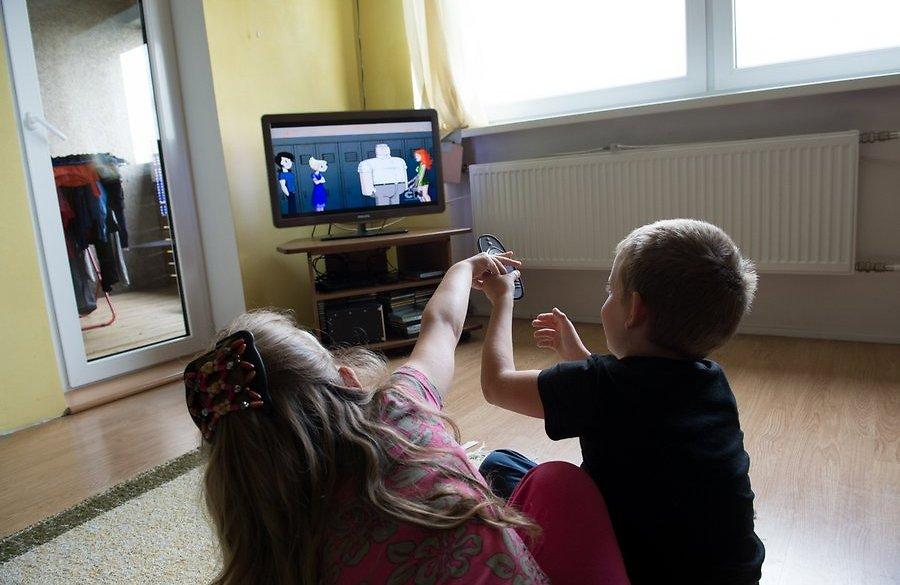 Lastearstid soovitavad piirata telerile ja arvutile kuluvat aega!