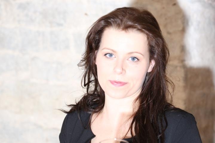 Elviira Jakobson: Teekond terve minuni