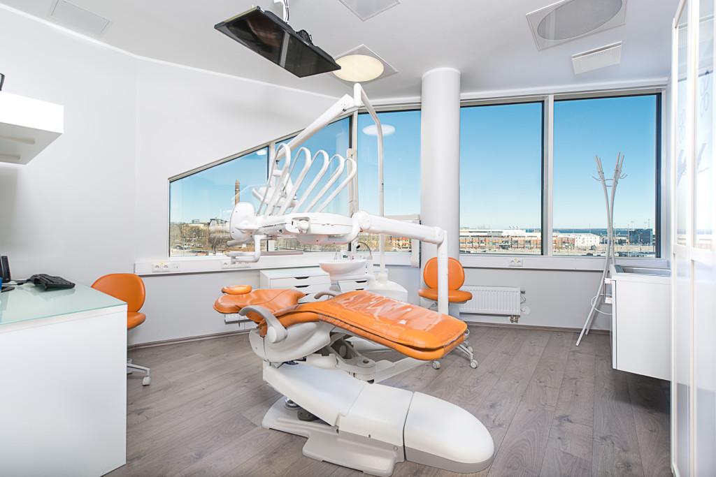 Uksed avas Tallinna uusim hambaravikliinik2