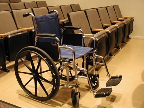 Astangul räägitakse puuetega inimeste spetsialistidele eluruumide kohandamisest
