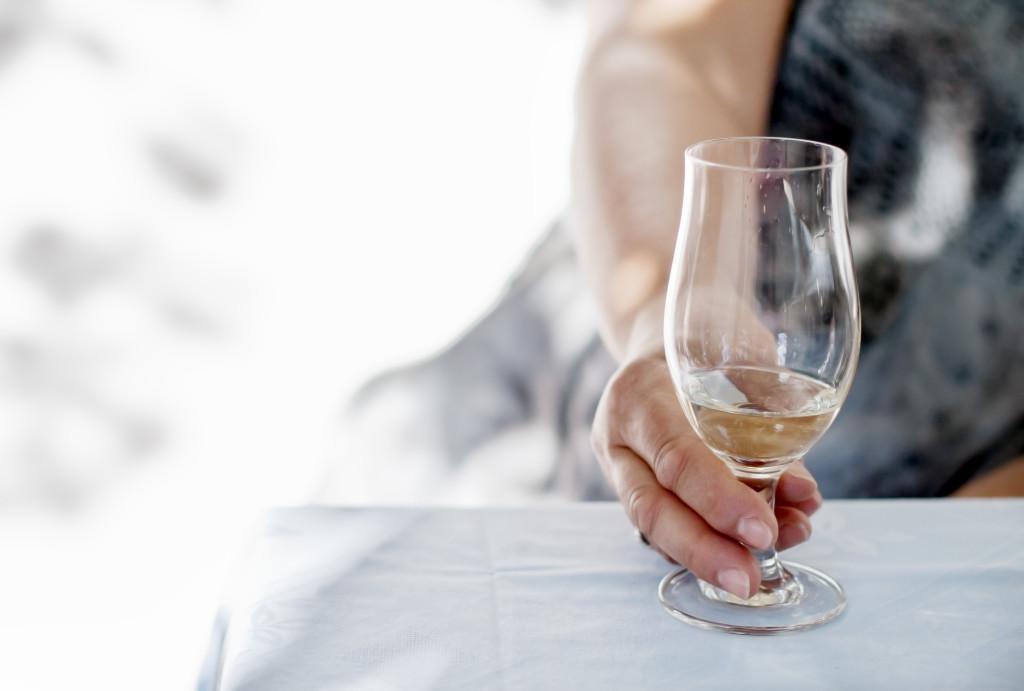 Riigikogu taastas avalikus kohas alkoholi tarbimise keelu
