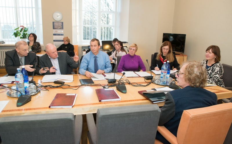 Sotsiaalkomisjon karmistab tubakatoodete reeglistikku