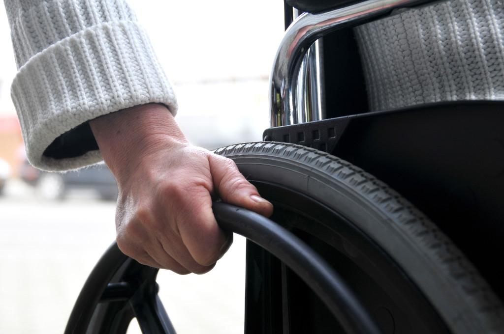 Tallinn korraldab puuetega inimeste uuringu