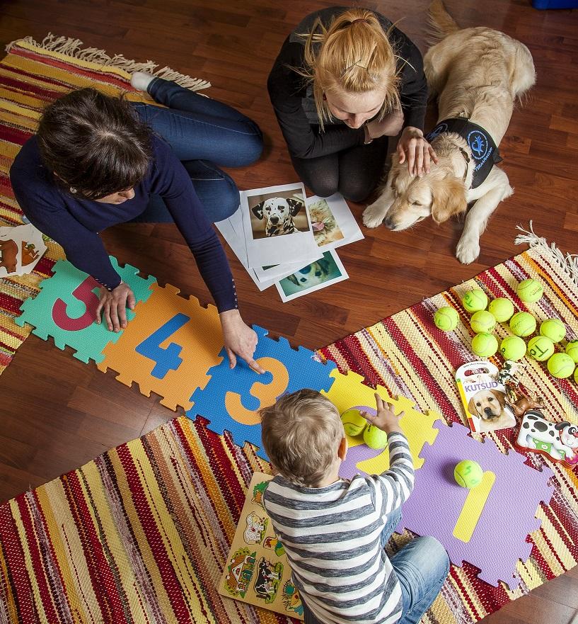 Koerte abil läbiviidavad teraapiad arendavad arenguhäiretega laste sotsiaalseid ja emotsionaalseid oskusi