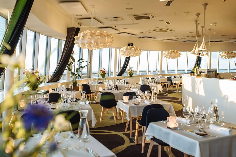 TASUB KÜLASTADA! Brasserie-restoran Teletorn lööb kõrgusrekordeid ja on üldse üks taevalik paik