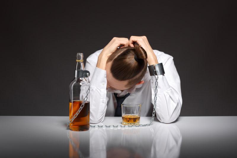 Inimesel, kel on stress, ülepinge, masendustunne või uinumisraskused, tuleks alkoholi vältida