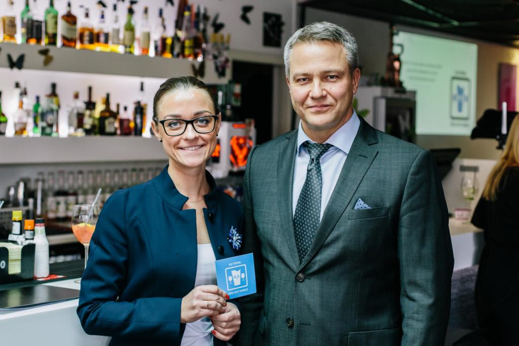 """Eesti Alkoholitootjate ja Maaletoojate Liit alustas vastutustundliku alkoholitarbimise kampaaniaga """"Kui võtad, võta vett vahele!"""""""