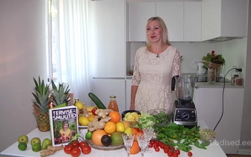 Video! Kuidas teha tõeliselt vägevat smuutit jaanipidustuste vahepalaks