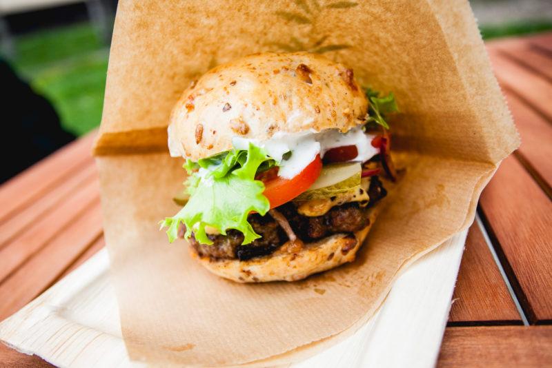 Kommenteerib Tule kioski omanik Veronika Padar! Kui tervislik saab burger olla?