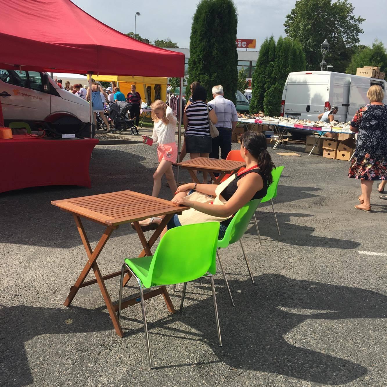 Gurmeeburgerite kohvik Tulekodu käis virukatele tervislikke burgereid tutvustamas