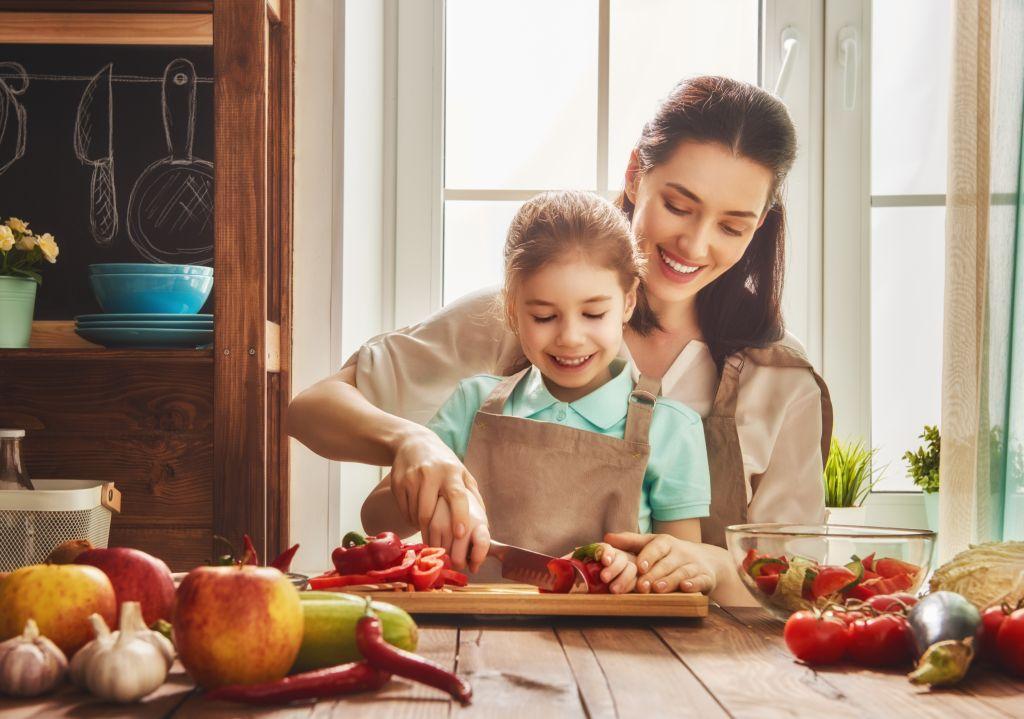 6 nõuannet, mille abil saab lapsi köögivilju sööma meelitada