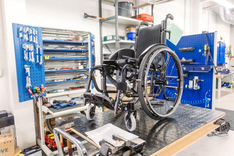 Hooldust ootav ratastool