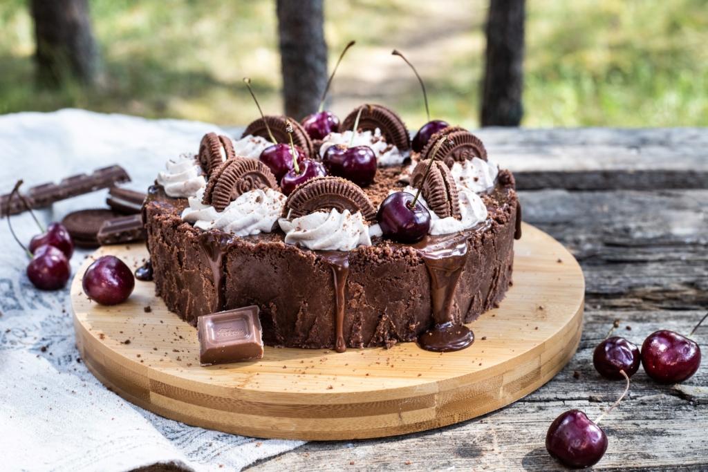 RETSEPT! Isuäratav šokolaadi-juustukook Domino küpsistega