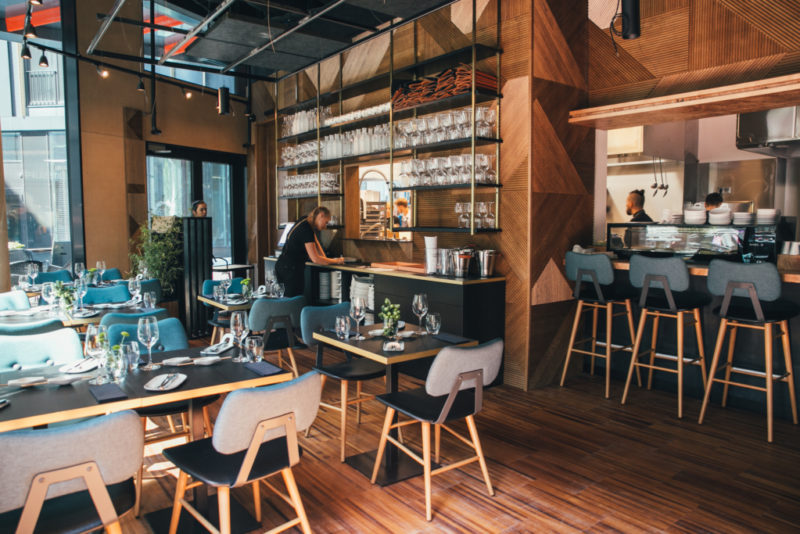 Michelini tärniga pärjatud Norra restoranigigant avas uksed Tallinnas