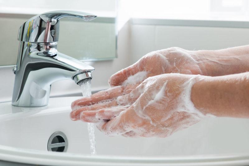 Pese käsi!