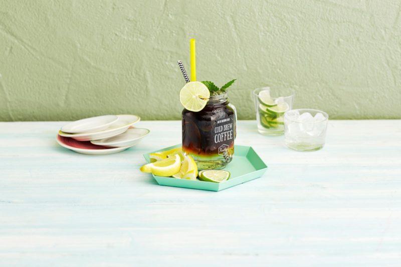 Kuidas valmistada trendikat limonaadi külmpruulitud kohvist?