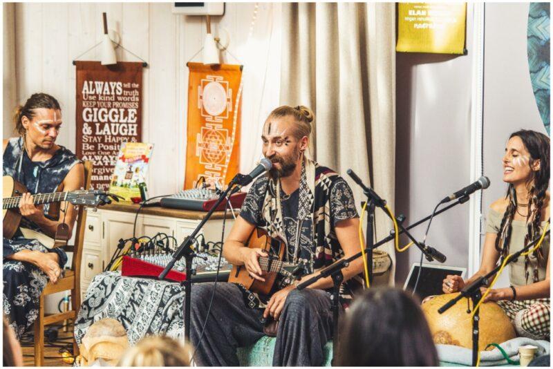 """SAADE """"TERVIS EETRIS"""": Külas muusik ja vaimsuse hoidja Tom Valsberg"""