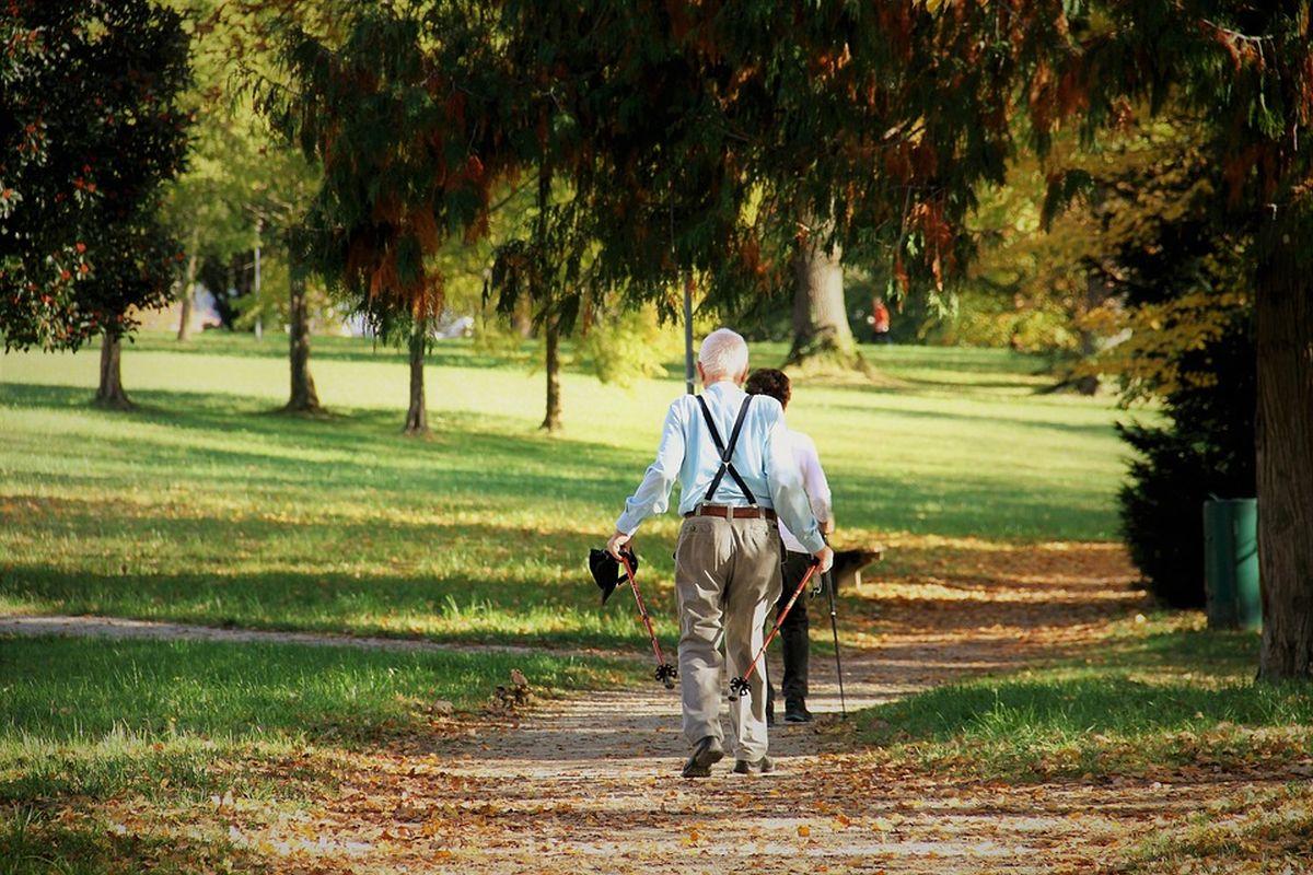 Tartu kõnniringid eakatele jätkuvad ka pühade ajal