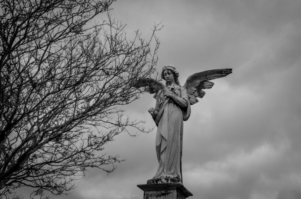Angels,In,Cemetery
